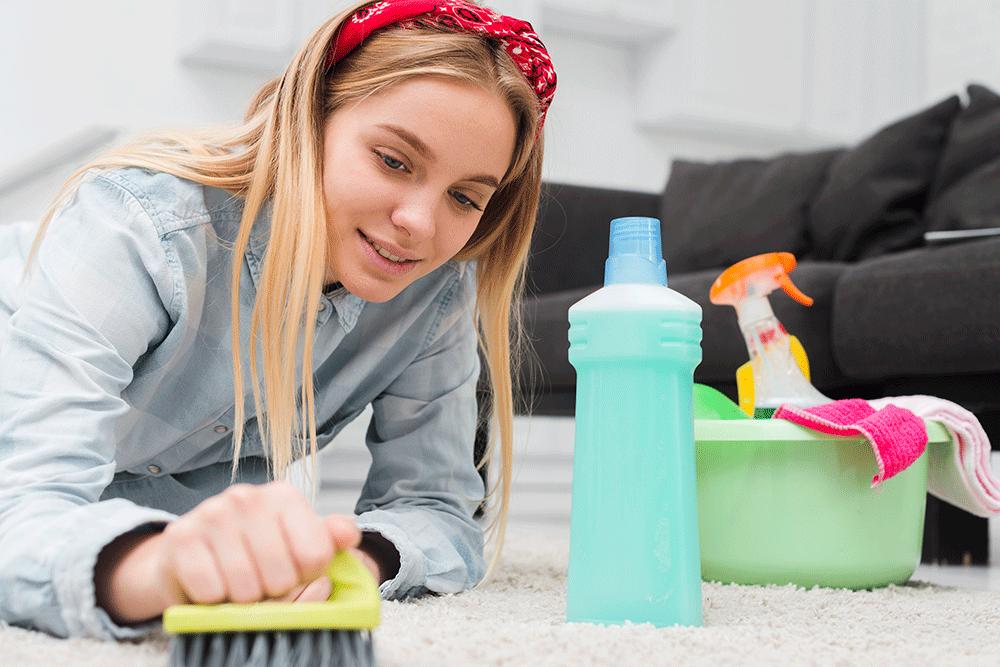 پاک کردن لکه جوهر از روی فرش و مبل