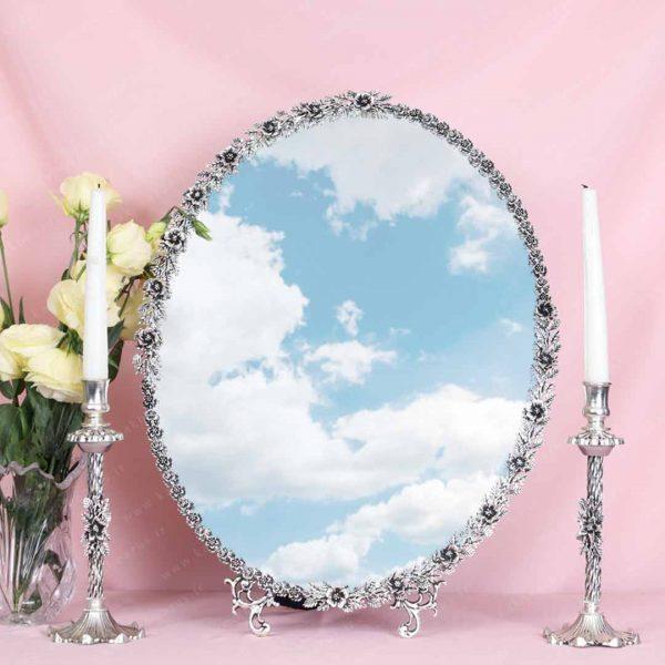 آینه و شمعدون